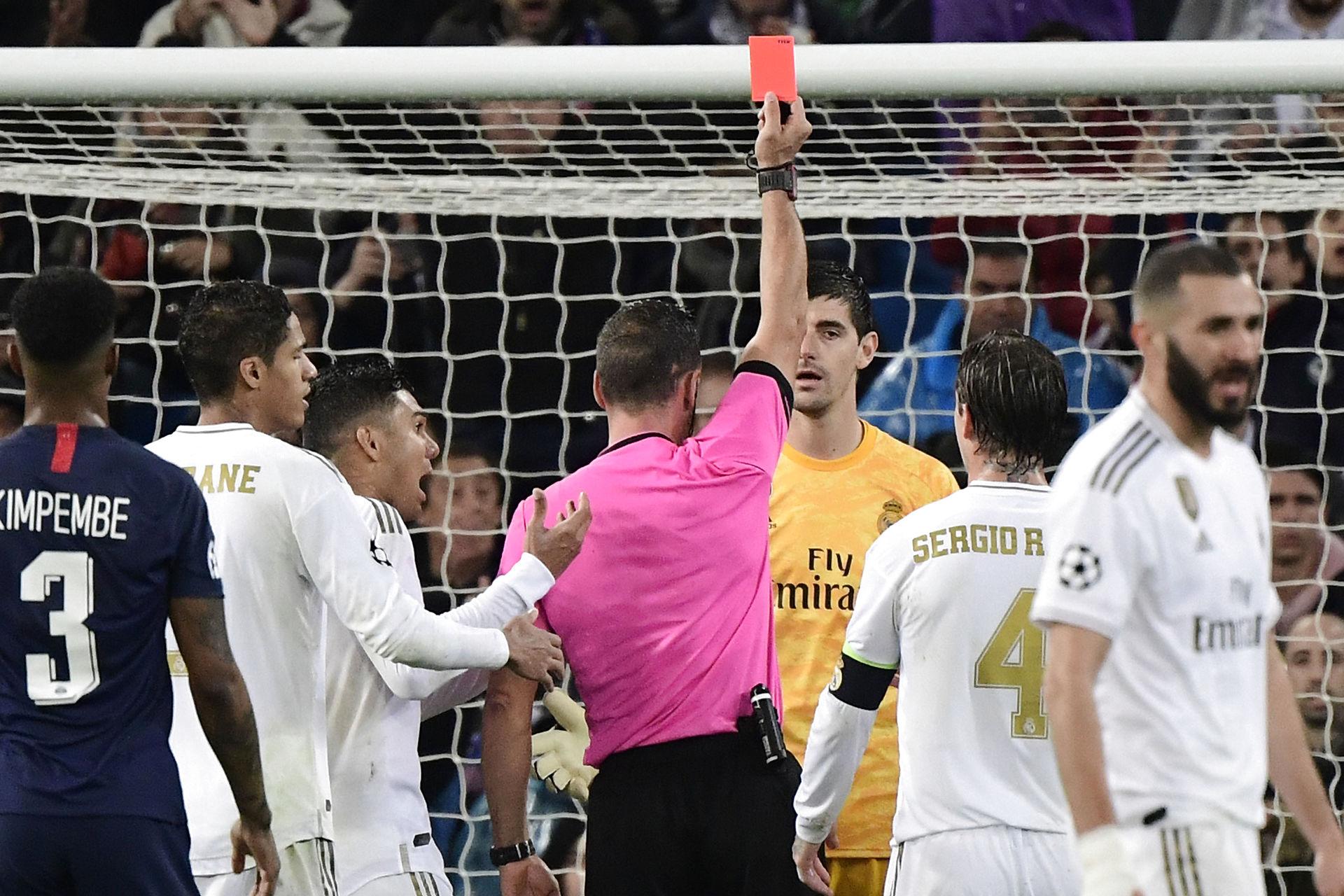 Реал Мадрид - ПСЖ, удаление Куртуа